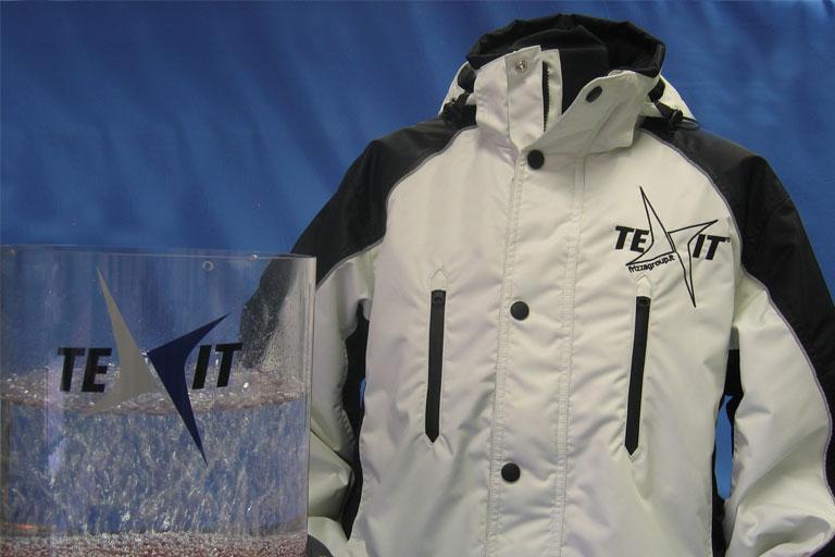 giacca sportiva bianca